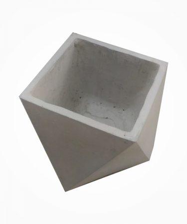 گلدان بتنی مربع مثلثی کوچک (پک 18 عددی)